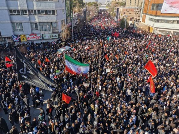 Iran : 32 morts dans une bousculade lors de l'enterrement de Soleimani