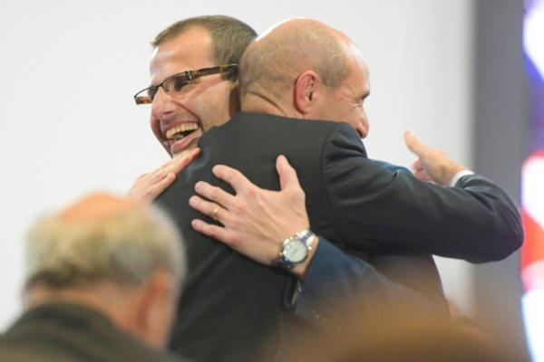 Malte: un avocat incarnant la continuité du controversé Premier ministre Muscat lui succède