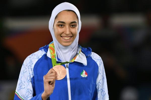 La seule femme médaillée olympique d'Iran, Kimia Alizadeh, fait défection
