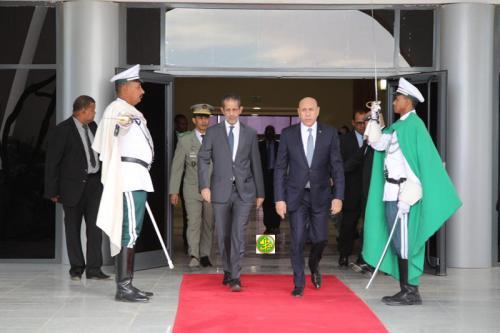 Départ du Président de la République pour la France