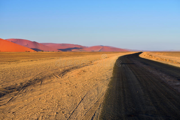 Ministère de l'équipement et des transports : 80% des tronçons de la route Atar-Tidjikja ont été réhabilités et les travaux se poursuivent