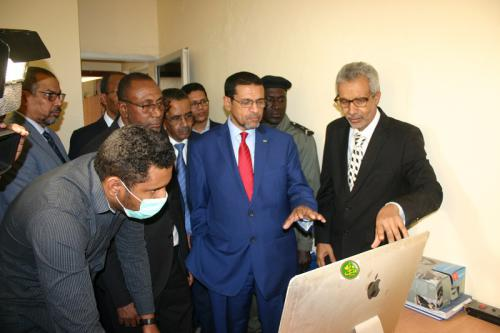 Le ministre de la Santé visite le Centre national des opérations d'urgence en santé publique