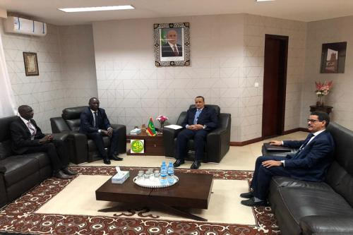 Le ministre des Affaires étrangères reçoit en audience le nouvel ambassadeur du Sénégal