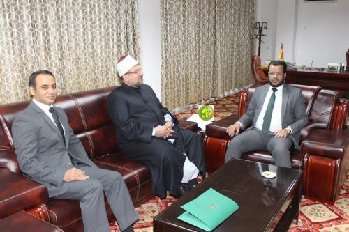 Le ministre des Affaires islamiques reçoit le ministre égyptien des Aouqafs