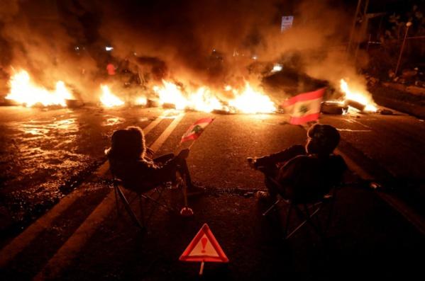 Première réunion du nouveau gouvernement dans un Liban en pleine crise