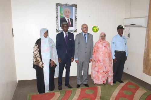 Le ministre de la Fonction publique décore des fonctionnaires de son département