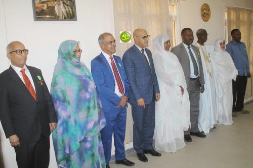 Le ministre des Pêches décore nombre de cadres et de fonctionnaires de son secteur