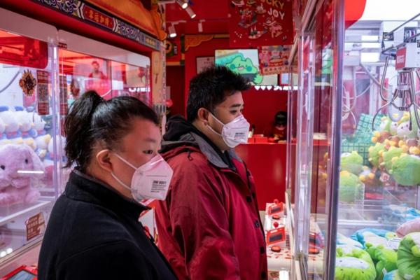Virus: l'épidémie dépasse l'ampleur du Sras, vols suspendus vers la Chine