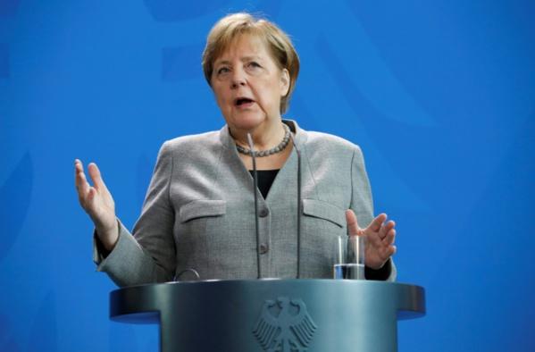 Allemagne: Merkel condamne une alliance avec l'extrême droite