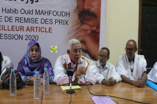 La Fondation Habib Ould Mahfoudh distribue ses récompenses annuelles pour cette année depuis la ville d'Atar
