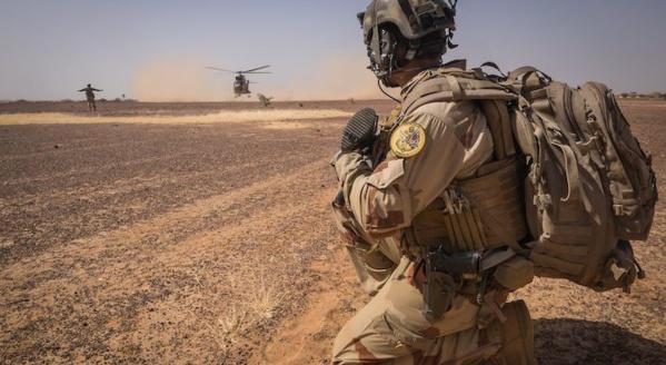 Les forces françaises au Mali annoncent la mort d'une trentaine de terroristes dans des opérations distinctes