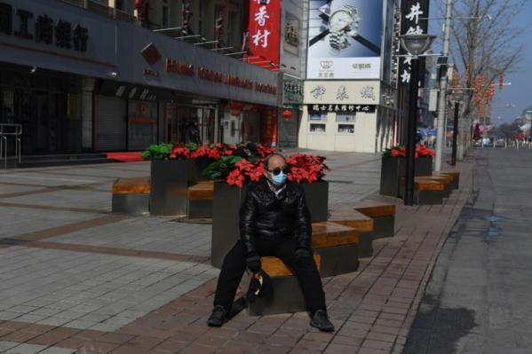 Coronavirus: 1.000 morts, l'OMS redoute une propagation accrue hors de Chine