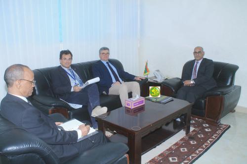 Le ministre des Pêches s'entretient avec l'ambassadeur de l'UE