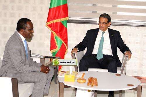 Le ministre de l'Économie s'entretient avec le Représentant de l'UNFP