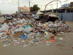 Le manque de moyens accentue la prolifération des ordures à Rosso, selon le Maire