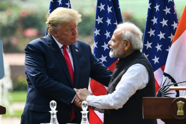 La fastueuse visite de Trump en Inde assombrie par des violences à Delhi