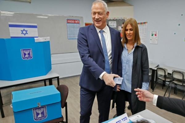 Troisième round électoral en Israël, Gantz appelle à tourner la page Netanyahu