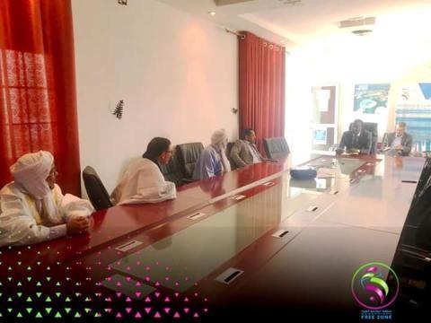 Le président de l'Autorité de la ZFN tient une réunion avec le président de la fédération des commerçants de Nouadhibou