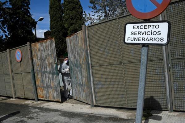 Coronavirus: nouveau record de morts en Espagne qui demande l'aide de l'Otan