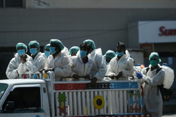 Coronavirus: bilan record en Espagne, qui espère approcher du pic, les Etats-Unis se préparent au pire