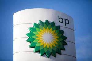 Aprés les excuses de BP Kosmos réduit ses dépenses pour cette année
