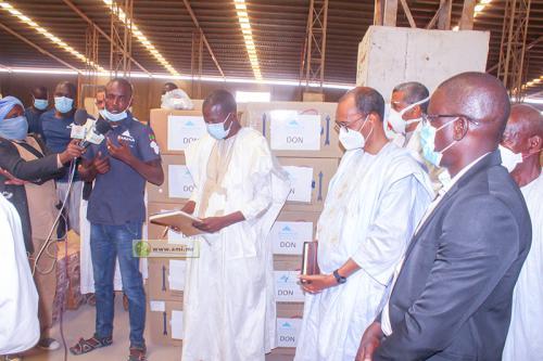 """L'ONG """"Baraka City"""" de bienfaisance contribue par du matériel médical à la lutte contre le Covid-19"""