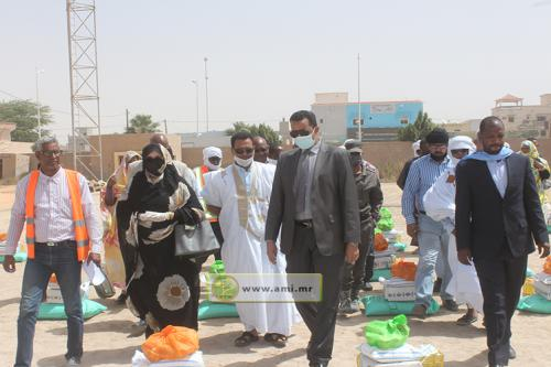 Distribution de kits alimentaires au Ksar