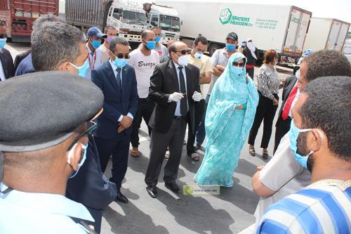 Le secrétaire général du ministère du commerce s'enquiert de l'état des camions transportant de légumes à Ribat Al Bahr