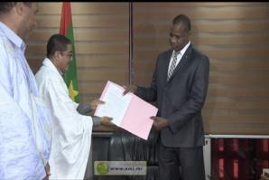 Le ministre de la Culture reçoit le cahier de doléances d'institutions de la presse nationale