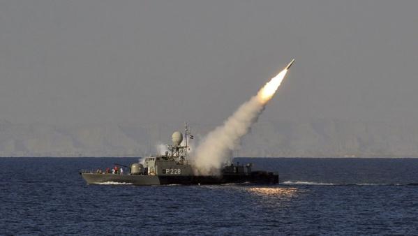 Un navire de guerre iranien touché par un tir ami dans le Golfe: 19 morts