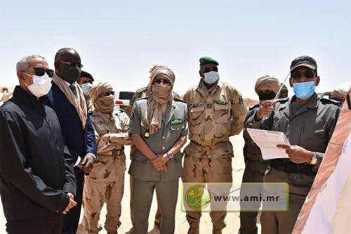 Les ministres de la Défense nationale et de l'intérieur visitent la ceinture de sécurité de la ville Nouakchott