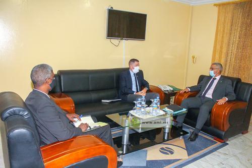 Le Commissaire aux droits de l'homme s'entretient avec l'ambassadeur des États-Unis d'Amérique