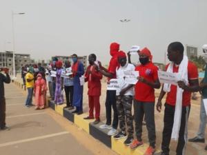 Manifestation pour la lumière sur le meurtre d'Abass Diallo
