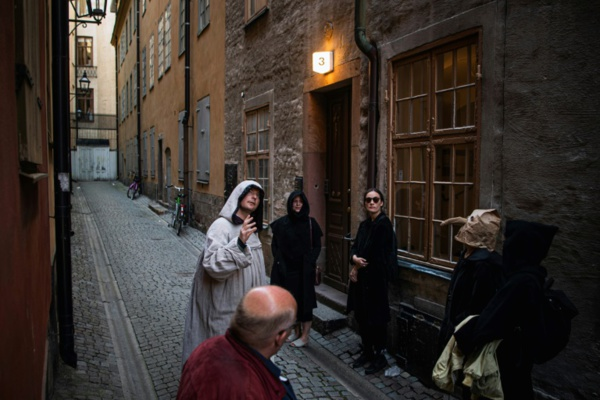Lassé par le coronavirus ? En Suède, un guide propose un tour d'horizon des pandémies