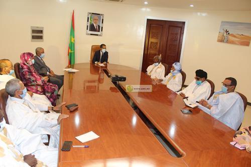 Le Premier ministre se concerte avec les partis politiques représentés au parlement