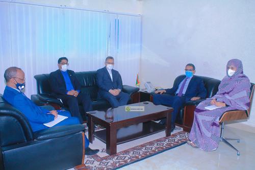 Le ministre des Pêches et de l'économie maritime s'entretient avec l'ambassadeur iranien
