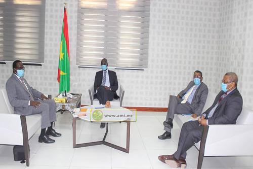 Le ministre des Affaires économiques s'entretient avec le Représentant résident de l'UNFPA