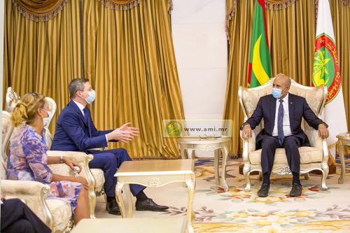 Le président de la République reçoit le secrétaire d'Etat auprès du ministre allemand de la Défense