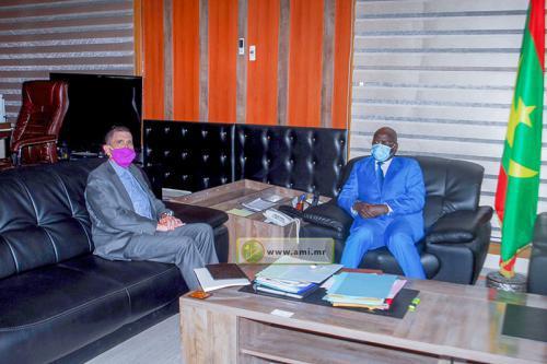 Le ministre de l'Intérieur et de la Décentralisation reçoit l'ambassadeur américain