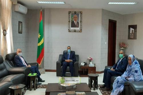 Le ministre des Affaires étrangères reçoit l'ambassadeur de l'État de Palestine