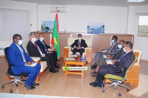 Le ministre du Pétrole reçoit le président du Groupe d'Amitié Turquie-Mauritanie