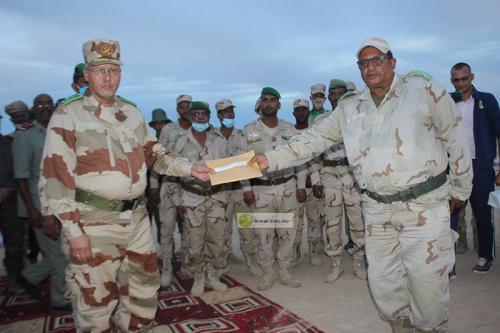 Le chef d'État-major général adjoint des armées supervise une compétition de tir à la cible
