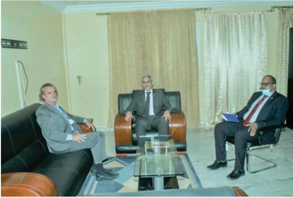 Le Commissaire aux Droits de l'Homme reçoit des entretiens le représentant du HCDH
