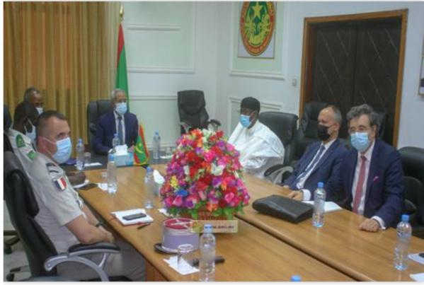 Le ministre de la Défense nationale rencontre une délégation quadripartite chargée du suivi des conclusions du sommet de N'Djamena