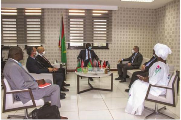 Le ministre des Affaires économiques reçoit une mission du haut conseil des hommes d'affaires du Moyen Orient
