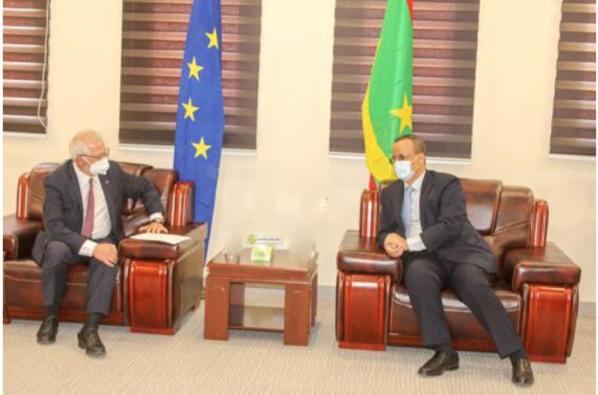 Le ministre des Affaires étrangères reçoit le haut représentant de l'UE pour les affaires étrangères et la politique de sécurité