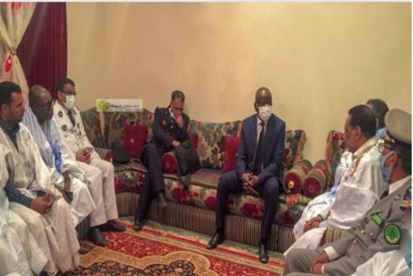 Le ministre de l'intérieur présente, au nom du Président ses condoléances aux familles Bouderbala et Jiyid