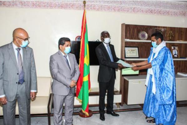 Le ministre de la Fonction publique reçoit les plate- formes revendicatives des centrales syndicales