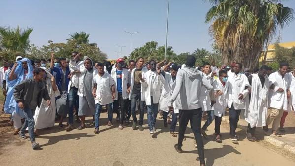 Rosso : Les étudiants de ISET en grève contre le retard des bourses