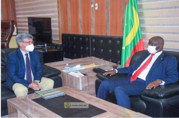 Le ministre de l'Intérieur reçoit l'ambassadeur, Chef de la Délégation de l'Union Européenne